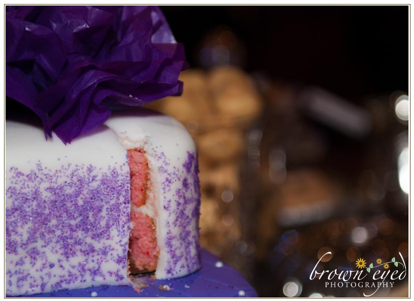 strawberry-wedding-cake-surprise