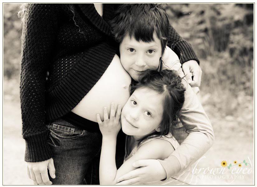 Plattsburgh Maternity Photographer siblings